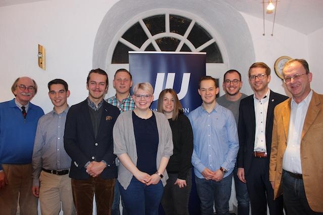 Der neue Vorstand der Jungen Union mit Bürgermeister Rainer-Hans Vollmöller, Vorsitzendem Joshua Östreich (von links) sowie Landtagsabgeordnetem Michael Ruhl (2.v.r.) und CDU-Chef Uwe Meyer (rechts)